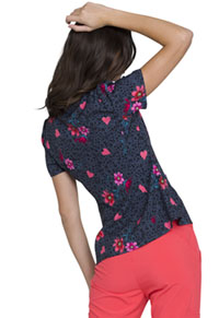HeartSoul HeartSoul Prints Shaped V-Neck Top in Love's In Bloom (HS671-LVIB)