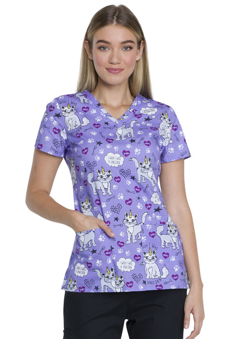Dickies Dickies Prints V-Neck Top in Wish I Was A Unicorn